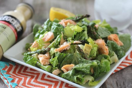 broiled-salmon-and-asparagus-caesar-salad
